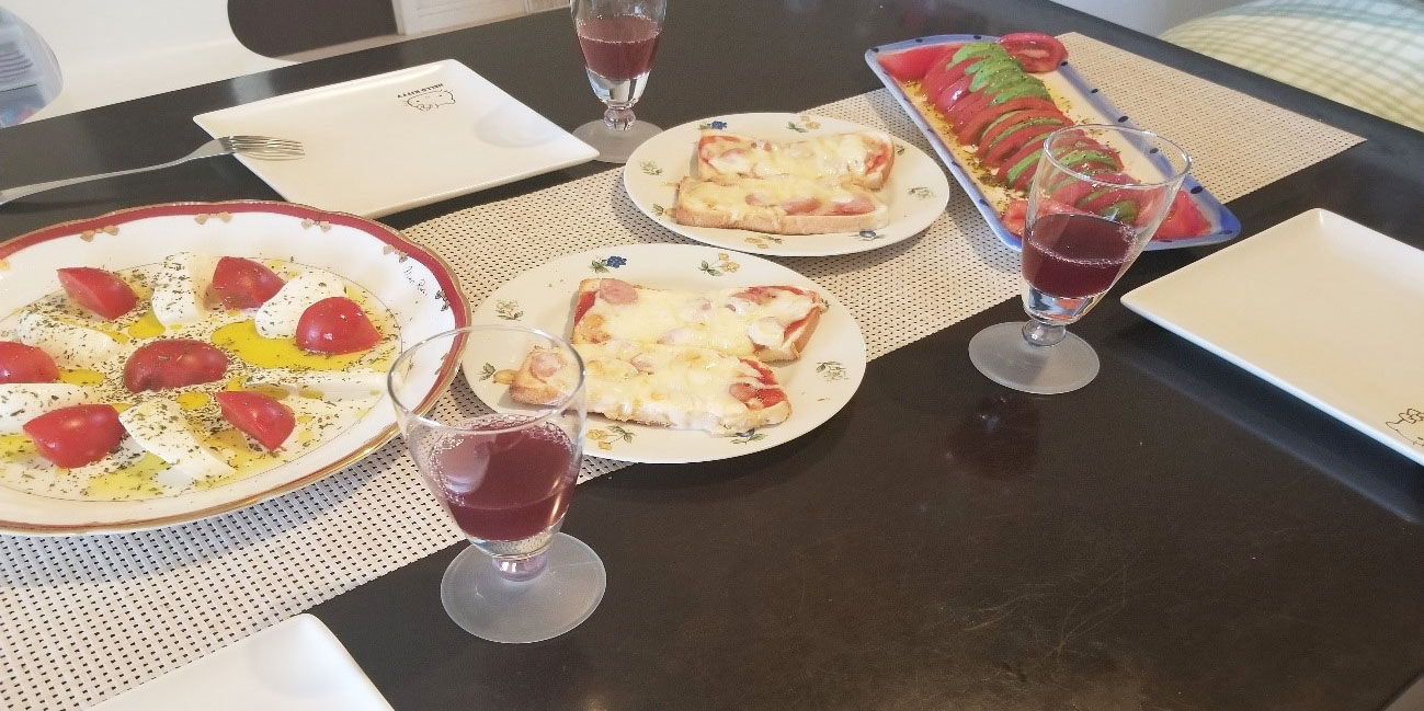 ピザトーストとサラダ